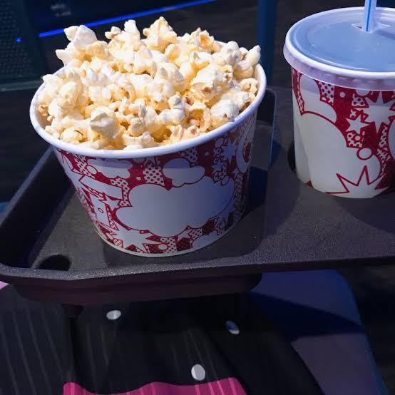 パパ活アプリで映画館デート