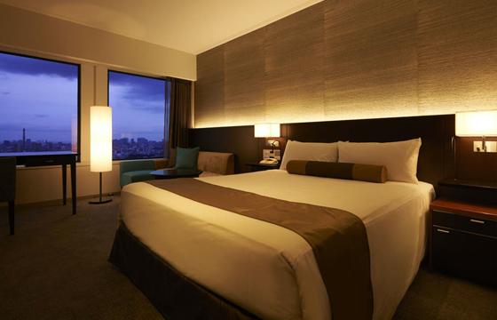 京王プラザホテルのベッド
