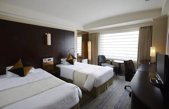 ロイヤルパークホテルのベッドルーム
